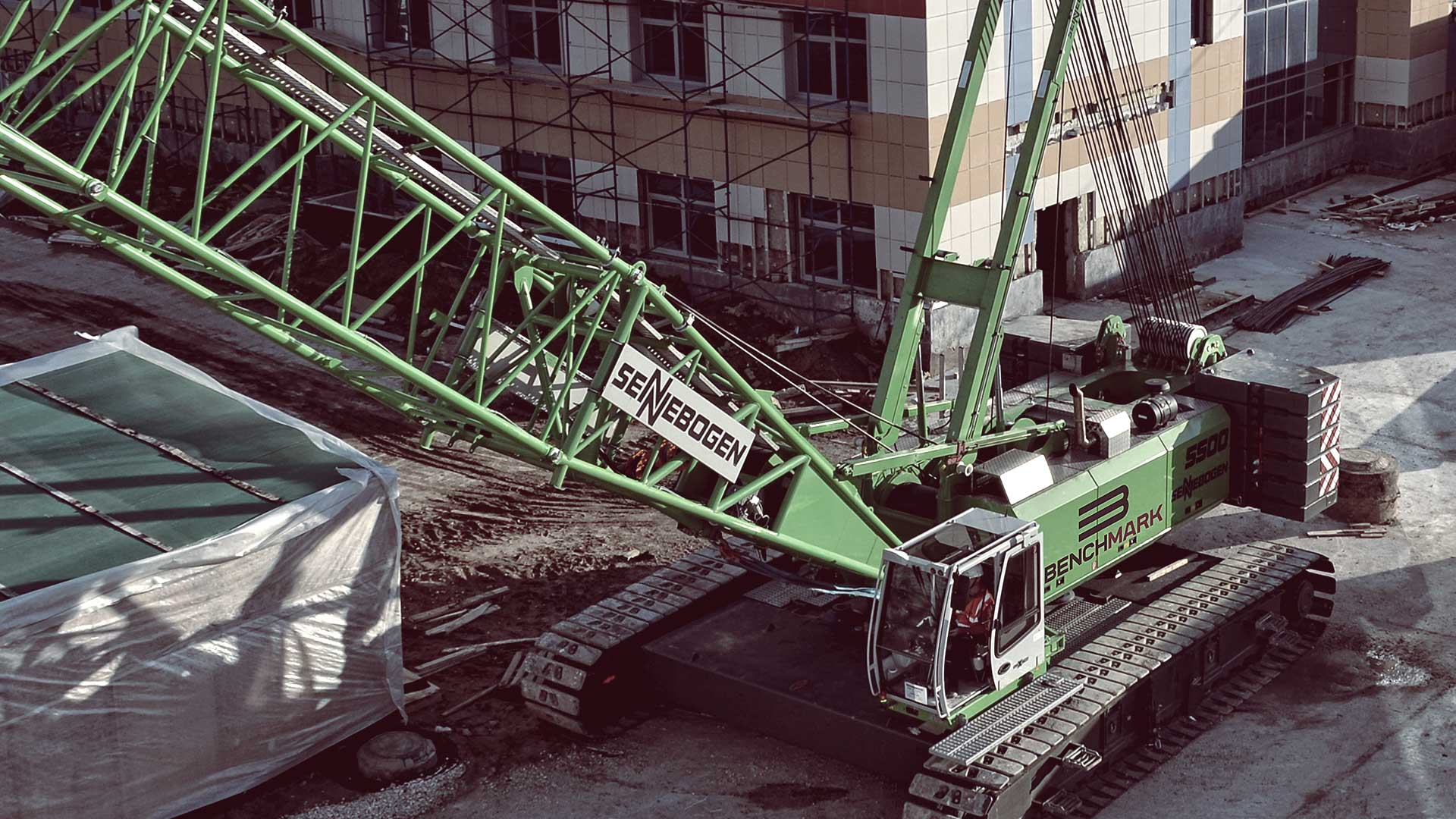 Terrain and Crawler Cranes